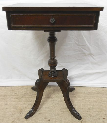 Small Mahogany Pedestal Centre Table